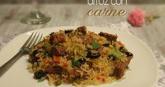 Arroz con carne, se elabora en poco tiempo y pueden variar las hortalizas que haya en temporada; zanahoria, arvejas, hongos, etc.