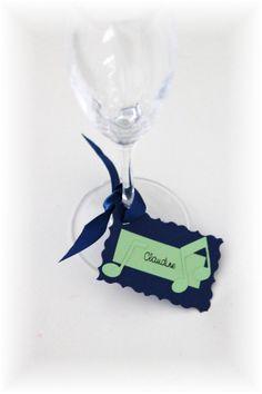 Marque places décoration de table / Thème musique vert anis et bleu marine Ste Cecile, Decoration Table, Bleu Marine, Communion, Martini, Wine Glass, Etsy, Tableware, Music