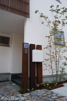 枕木のシンプルな門柱(大阪池田市の外構)1