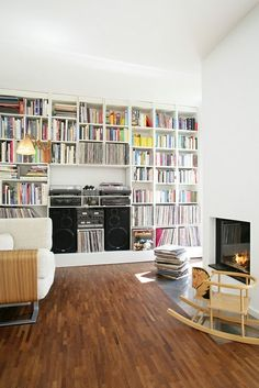 Example of how the built-ins in the living room, will need space for two large speakers (taking up space where the cabinets would go) and that some of the shelving is sized for records, CD, and also books. I picture the speakers wider apart however. Record Shelf, Vinyl Record Storage, Lp Storage, Record Player Cabinet, Record Wall, Storage Design, Living Room Storage, Living Room Decor, Dining Room