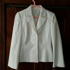 2pc Ladies Suit, Jacket And Skirt