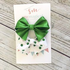 St. Patricks Day Hair Bow / Baby Bow / Gift for Her / St Patricks Day Gift / Green Hair Bow / Hair Clip / School Bow by SewMagicalByAndrea on Etsy https://www.etsy.com/listing/498954926/st-patricks-day-hair-bow-baby-bow-gift