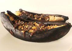 Bananes au four Banana Pie, Banana Pancakes, Healthy Drinks, Healthy Recipes, Simple Recipes, Yummy Snacks, Yummy Food, Fried Bananas, Overripe Bananas