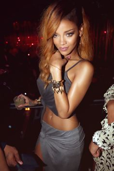 I know that this has been photoshopped a little bit but it doesn't change the fact that rih is gorgeous
