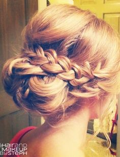 Beautiful easy updo idea. Love the braid to dress up the bun.