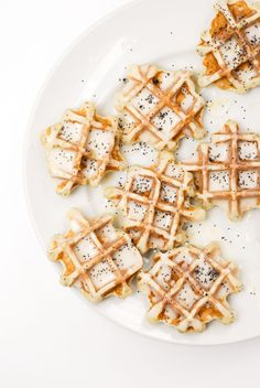 Lemon poppy seed waffles //