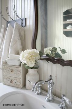 Weekly Inspriration ~ Soap, Soap Dishes, and Hand Towels | FARMHOUSE 5540 | Bloglovin'