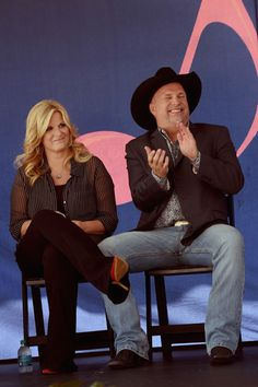 Garth Brooks Photos Photos: Garth Brooks and Trisha Yearwood Are Inducted into the Nashville Walk of Fame Country Music Artists, Country Music Stars, Country Singers, Rock Music Quotes, Song Quotes, Shameless Garth Brooks, Music City Nashville, Country Videos, Entertainer Of The Year