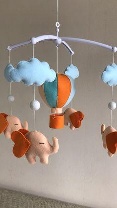 Felt Crafts Diy, Diy Home Crafts, Baby Crafts, Baby Room Diy, Baby Room Decor, Nursery Decor, Cot Mobile, Baby Crib Mobile, Baby Mobile Felt