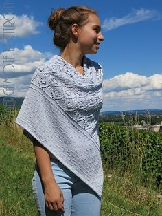 Ravelry: Project Gallery for Sérénithé pattern by Mamie-Thé