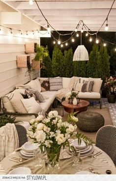 Love this casual outdoor space