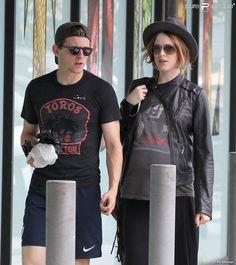 Evan Rachel Wood, enceinte, et Jamie Bell font du shopping à Malibu, le 20 juillet 2013.