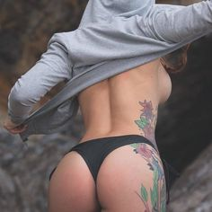 """""""Warming up. Tag a booty man! @rebelcircus #rebelcircus #tattooedgirls #girlswithtattoos #booty #topless @missreid7"""""""