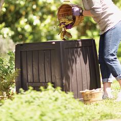 Let Mother Nature, and perhaps a thousand worms, do all the work inside a compost bin. Learn how to make the most of your compost bin at The Home Depot's Garden Club.