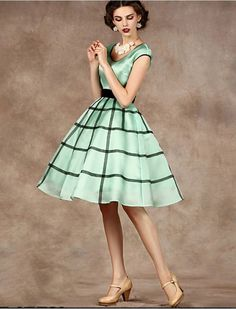 1950s Fashion Classic Vintage Inspired Style Dress