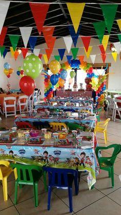 I like the flags handing from the ceiling Toy Story Birthday, Third Birthday, 4th Birthday Parties, Baby Birthday, Birthday Ideas, Paw Patrol Cake, Paw Patrol Party, Paw Patrol Birthday, Cumple Paw Patrol