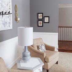 This clean, crisp sitting area was designed by @studio7interiors. We love!