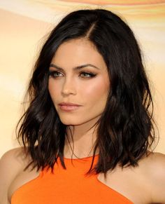 Trendy Fashion: Hottest Celebrities' Hairstyles Trends Fashionable Tremendous Celebrities' Hairstyles - Celebrities are focal points to whom everyone look up when it comes to fashion and hairstyles. They are human beings who surely have their own tast Cute Medium Length Hairstyles, Long Bob Hairstyles, 2015 Hairstyles, Short Hairstyles For Women, Pretty Hairstyles, Trending Hairstyles, Short Haircuts, Brunette Hairstyles, Casual Hairstyles