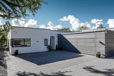 Funkis udspringer af funktionalismen, hvor kendetegnet er det enkle udtryk. Se billeder af Skanlux Funkis hus, og få inspiration til dit nye hus.