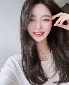 Image may contain: one or more people and closeup Pretty Korean Girls, Korean Beauty Girls, Cute Korean Girl, Cute Asian Girls, Beautiful Asian Girls, Asian Beauty, Ulzzang Girl Selca, Mode Ulzzang, Ulzzang Korean Girl