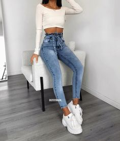 Style Jeans Summer Cute Outfits 26 Ideas For 2019 Fashion Mode, Teen Fashion Outfits, Outfits For Teens, Look Fashion, Trendy Outfits, Girl Outfits, Daily Fashion, Tumblr Outfits, Mode Outfits