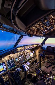 cockpit - New Ideas Boeing 737 Cockpit, Helicopter Cockpit, Boeing 777, Airplane Wallpaper, Plane Photos, Airline Pilot, Airplane Photography, Sky Aesthetic, Commercial Aircraft