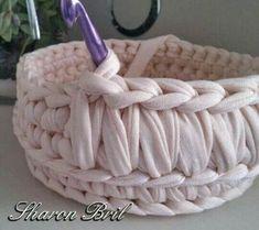 Watch This Video Beauteous Finished Make Crochet Look Like Knitting (the Waistcoat Stitch) Ideas. Amazing Make Crochet Look Like Knitting (the Waistcoat Stitch) Ideas. Crochet Bowl, Crochet Basket Pattern, Crochet Diy, Crochet Crafts, Crochet Projects, Crochet Patterns, Crochet Baskets, Crochet Ideas, Diy Crafts