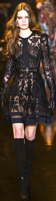 Elie Saab Fall 2015 Ready-to-Wear Fashion Show
