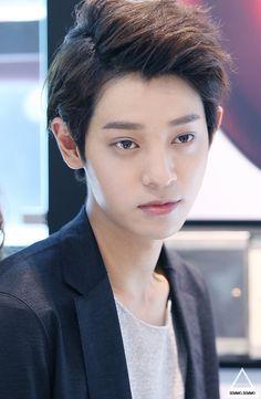 jung joon young-He could be Tao's twin Korean Wave, Korean Men, Korean Actors, Two Days One Night, Post Punk Revival, Yoon Shi Yoon, Jung Joon Young, Pop Rock, Park Chanyeol