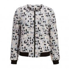 Come in store and try on our Selected Femme Sftifi reversible bomber jacket - Great versatile piece with a black side and a printed side which can update any outfit. Black Side, Try On, Edinburgh, Fashion Boutique, The Help, Bomber Jacket, Spring Summer, Printed, Store