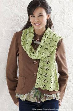 http://crochet-plaisir.over-blog.com/article-echarpes-et-leurs-grilles-gratuites-au-crochet-109883311.html  avec diagramme