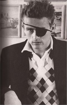 James Dean wearing an eye patch. Defining for the future what a mega HUNK looks like. Vintage Hollywood, Classic Hollywood, James Dean Photos, Jimmy Dean, Jimmy Jimmy, East Of Eden, Actor James, Ermanno Scervino, American Actors