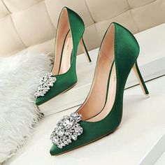 Hot 2016 Cute And Simple Rhinestone Wedding Heels Sandals For Girls Women Vintage Fashion Sexy Pointed Toe Evening Sandal High Heeled Shoes Valentine's Novelty Party Bridal Nude Platform Pumps Sandalias Shoes Zapatos Tacones De Mujer High Heels Stilettos, Women's Pumps, Stiletto Heels, Shoes Heels, Green High Heels, Platform Pumps, Green Pumps, High Shoes, Satin Pumps