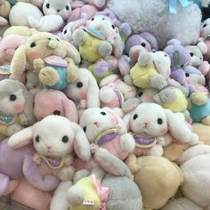 Cute Stuffed Animals, Cute Animals, Sanrio, Aesthetic Themes, Aesthetic Style, Aesthetic Videos, Pink Aesthetic, Cute Toys, Cute Characters