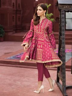 Fabric: Jacquard and Cotton Net block printed fish paneled peplum with culotte tie sleeves. Pakistani Fashion Party Wear, Indian Fashion Dresses, Indian Designer Outfits, Pakistani Outfits, Pakistani Frocks, Pakistani Bridal, Indian Outfits, Pakistani Casual Wear, Emo Outfits