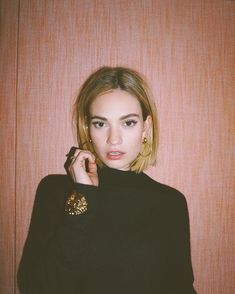 Lily James's Blunt Bob Haircut Is Giving Me All the Summer Hair Inspiration - - Blunt Bob Haircuts, Short Bob Hairstyles, Celebrity Hairstyles, Summer Hairstyles, Lily James, Long Bob With Bangs, Straight Bangs, Trending Hairstyles, Hair Transformation