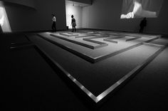 Gary Hill. Withershins. Video instalación. 1995.