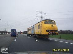 Trein op snelweg Utrecht - Rotterdam