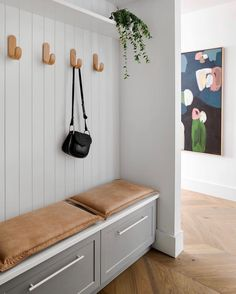 Chrome Wire 3 animal Bathroom Floor Caddy Phoenix 60.5 x 28 x 12 cm