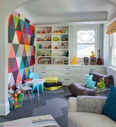 quarto-super-colorido-parede-geometrica