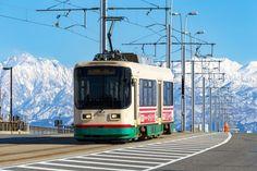 16枚目の画像 | 絶景を巡るゆったり電車旅。日本を味わうおすすめ「ローカル路面電車」8選 | RETRIP[リトリップ]
