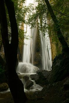 rose valley falls, ventura county, ca! I live here in this area..and NEVER knew this existed! Going soon!