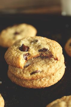 Soft and Chewy Gluten Free Chocolate Chip Cookies | Only SEVEN INGREDIENTS required! minimalistbaker.com