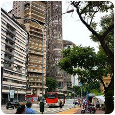 Ed. Itália é o segundo maior da São Paulo em seus 46 andares sendo o ultimo o Terraço Itália, restaurante com a visão geral da cidade. ... #turismo_na_cidade #scooturismo #use_scooter #scooter #scooterista #Honda #Lead #PCX http://www.scooterista.com.br/