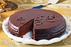 David Prior brings us the iconic Viennese chocolate cake worth fighting over. Dark Chocolate Recipes, Chocolate Sponge Cake, Melting Chocolate, Famous Chocolate, Almond Recipes, Baking Recipes, Cake Recipes, Winter Desserts, Delicious Magazine