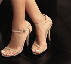 3ea29fd6e565 I don t wear heels but these are very nice!