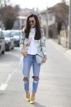 Cum purtam camasa alba cu volane | Sandra Bendre