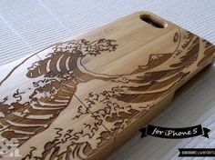 iPhone 5 Case . iPhone 5s Case . Natural Bamboo iPhone Case - Engraved Ukiyo-e Sea Waves // Traditional Japanese Art, Wood Pattern, Gift, 3D