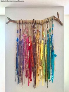 Crafty Good painted driftwood painted driftwood Tools Every Painted Driftwood, Driftwood Crafts, Diy And Crafts, Arts And Crafts, Summer Crafts, Fall Crafts, Christmas Crafts, Deco Boheme, Boho Wall Hanging