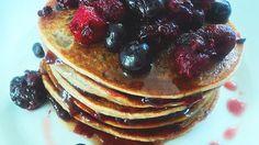 Receta de Pancakes de Banana y Avena. Para un desayuno diferente, se hace súper rápido. Sin harina ni lácteos!